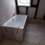 Dachgeschoss-Badewanne